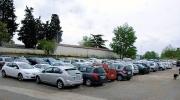 Il parcheggio esaurito in ogni ordine di posti